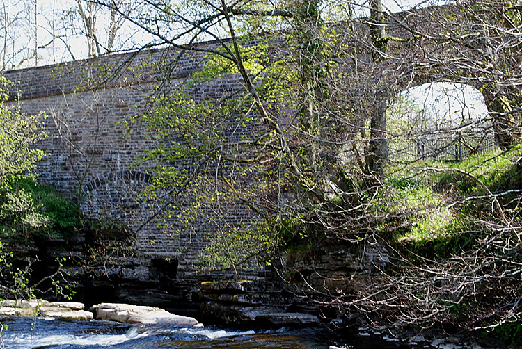 Stenkrith Bridge Kirkby Stephen - upstream side