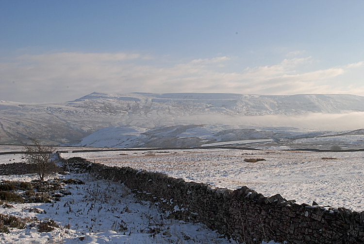 Mallerstang Edge on a cold morning - from the Kirkby Stephen to Sedbergh road